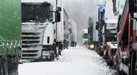 Snow and ice keep northern France on alert