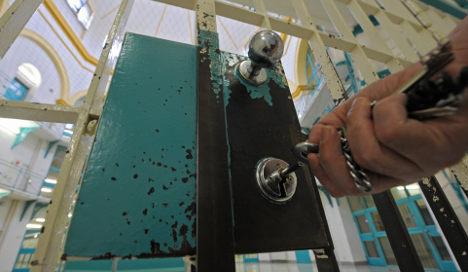 Petty criminals chose prison over €5 fine