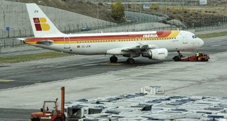 Teen gatecrashers trash plane at Madrid airport