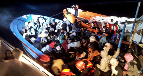 Hundreds of migrants rescued off Lampedusa