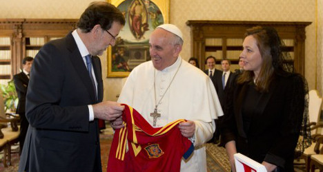 Spanish PM talks crisis with Pope Francis