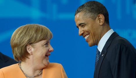 Merkel gave Obamas golf putts and wine