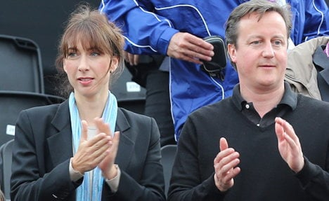 Cameron and family to stay with Merkel