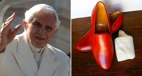 Ex-Pope's shoes kick up storm in Granada