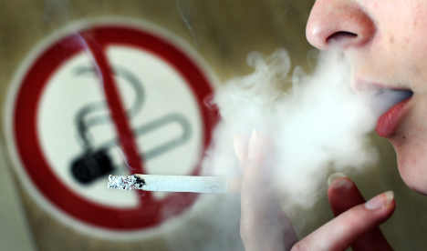 Tougher smoking ban worries bar owners