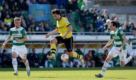 Euro stars Bayern and Dortmund run riot