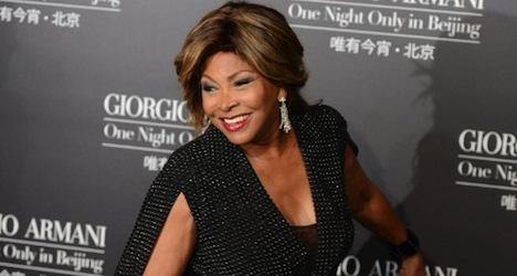 Zurich's Tina Turner receives Swiss passport