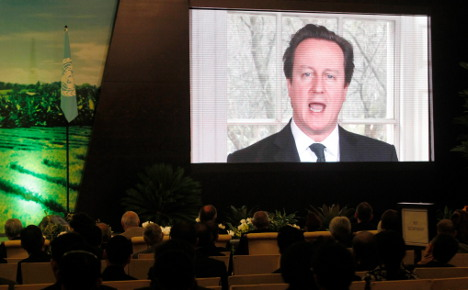 Cameron starts 'EU treaty change' tour