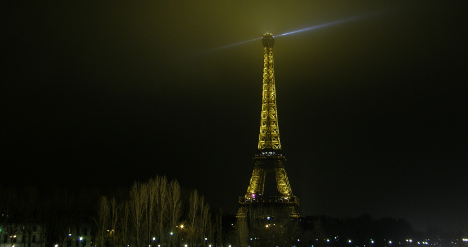 Feminists want 'phallic' Eiffel Tower torn down