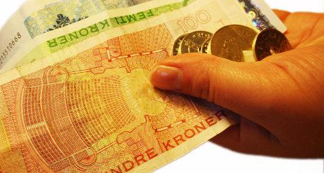 Teens return 467,200 kroner found on train