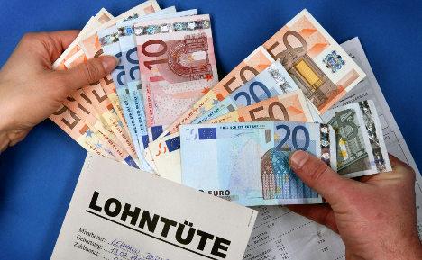 Bundesbank: German wage hike will hurt euro