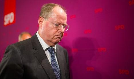 Merkel rival tries to kick-start campaign