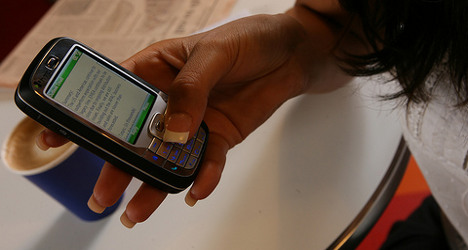 Madrid to shell out €7.4 million on mobile phones