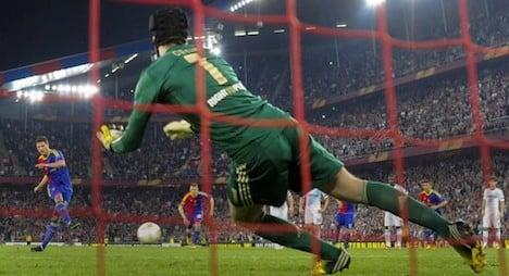 Chelsea scrape by Basel in Europa League semis