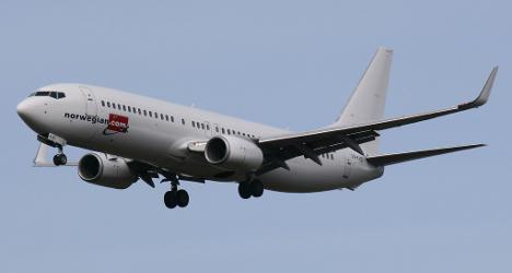 Norwegian air mulls Irish registries to cut costs