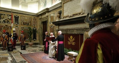 Pope Francis honours new Swiss guards