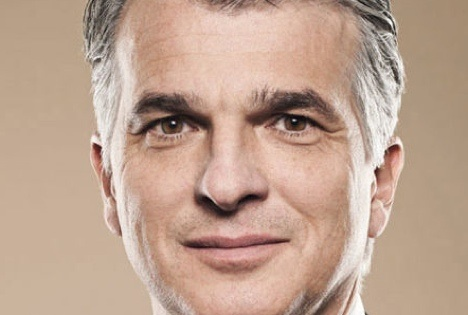 Activist group challenges UBS executive pay