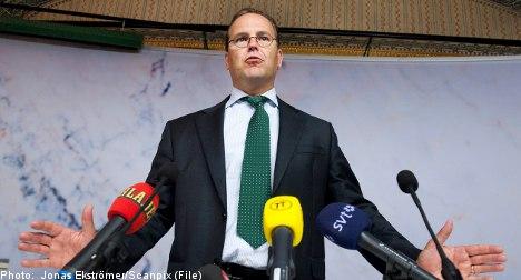 Borg drops resistance to EU fiscal stimulus
