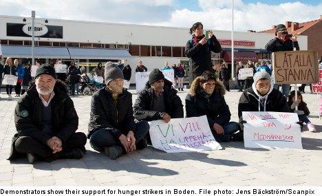 Afghan refugees break hunger strike in Boden