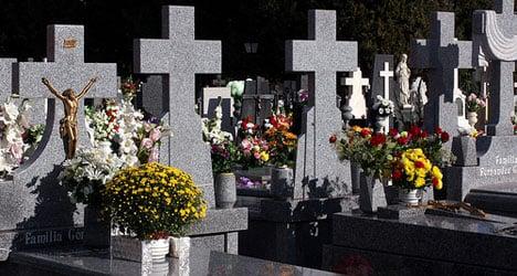 Metal tomb raiders ransack Seville cemetery