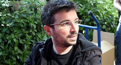No-nonsense TV man taps Spain's crisis mood