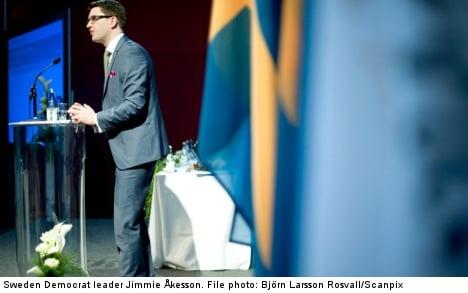 Left Party calls Åkesson unrest analysis 'pitiful'