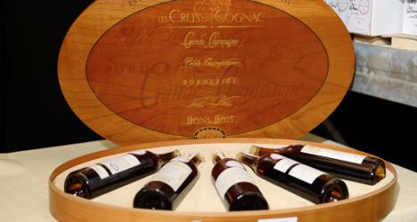 Chinese help Elysée pull in €300,000 in wine sale