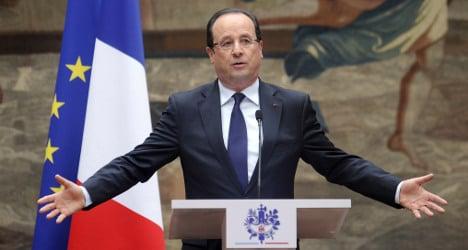 Embattled Hollande set to enter the lion's den