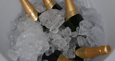 China allows only 'Made in France' champagne