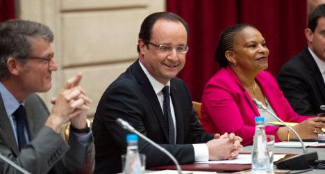 Hollande plans reforms to 'change face of France'