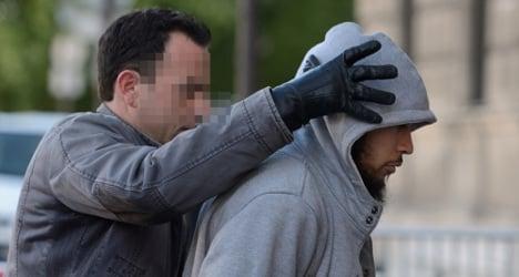 Muslim convert admits stabbing French soldier