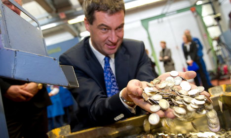 Some fear inflation if small euro coins cut