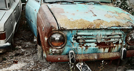 Surge in old car sales sparks safety concerns