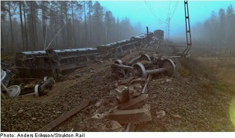 Rail traffic delays after goods train derails