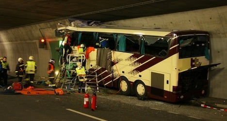 Report narrows causes of fatal Sierre bus crash