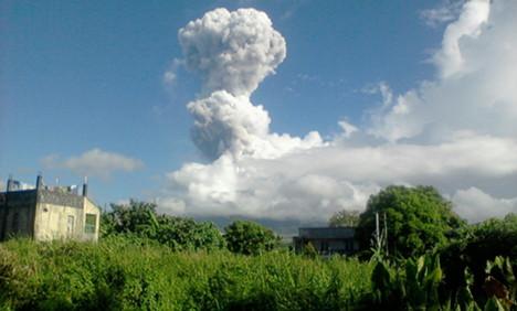 Three Germans die as volcano erupts