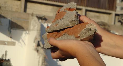 Hidden cash rumour sparks run on rubble
