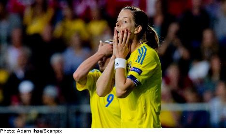 Swedes miss penalties in Denmark draw