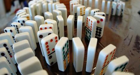 Swiss teens aim to break world domino record
