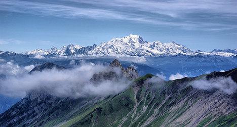 Spanish runner smashes Mont Blanc time record