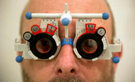 Germans shun laser surgery for specs