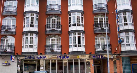 'Hotel baby' born after hospital blunder
