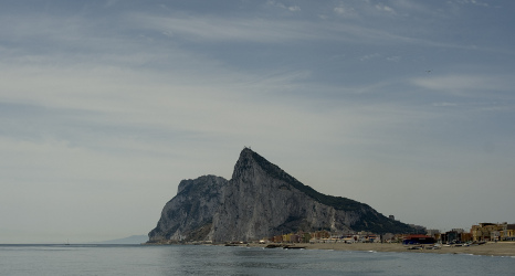 Spanish fighter jets fire up Gibraltar strife