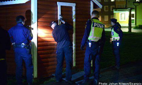 Police warn of rogue cops swindling elderly