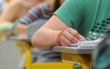Mass school year failure raises questions