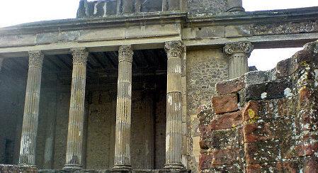 Italy promises to restore Pompeii