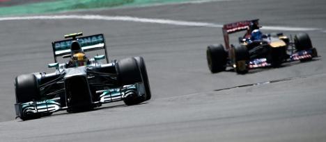 Hamilton grabs late pole at German Grand Prix