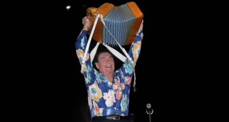 France's 'King of the Accordion' falls silent