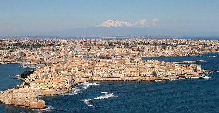 Italy intercepts migrant boat from Syria