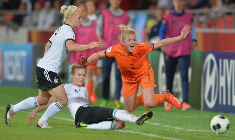 Germany kicks off Euro effort with 0-0 draw